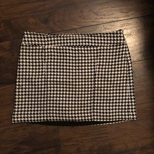 The Limited Black Houndstooth Mini Skirt Size 10